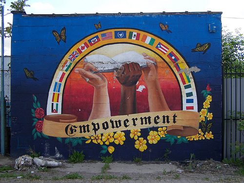Empowerment mural in Detroit - Photo by Taubuch